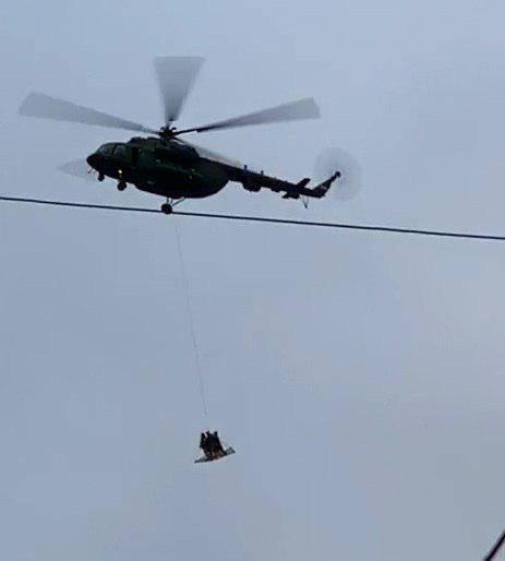 Военные вертолёты над Кремлём