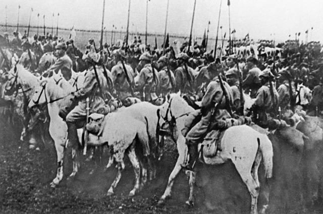 Польская пехота против красной кавалерии