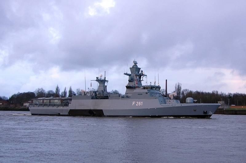 Берлин - Киеву: Посылать свои военные корабли к побережью Крыма не будем