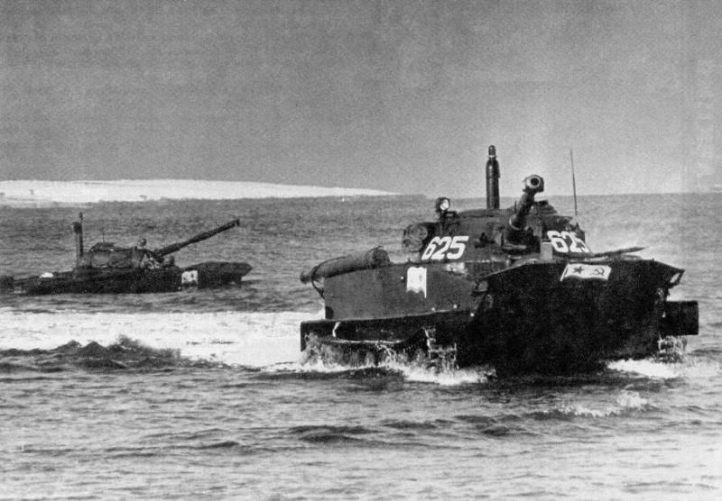 Танки. Плавающий танк ПТ-76 снаружи и изнутри