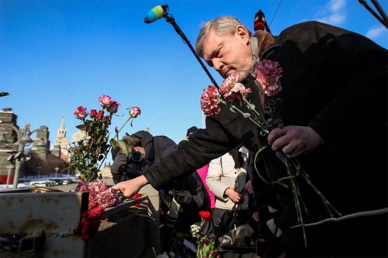 """यव्लिन्स्की ने समझाया """"क्यों रूस एक"""" पतन """"की उम्मीद कर सकता है"""