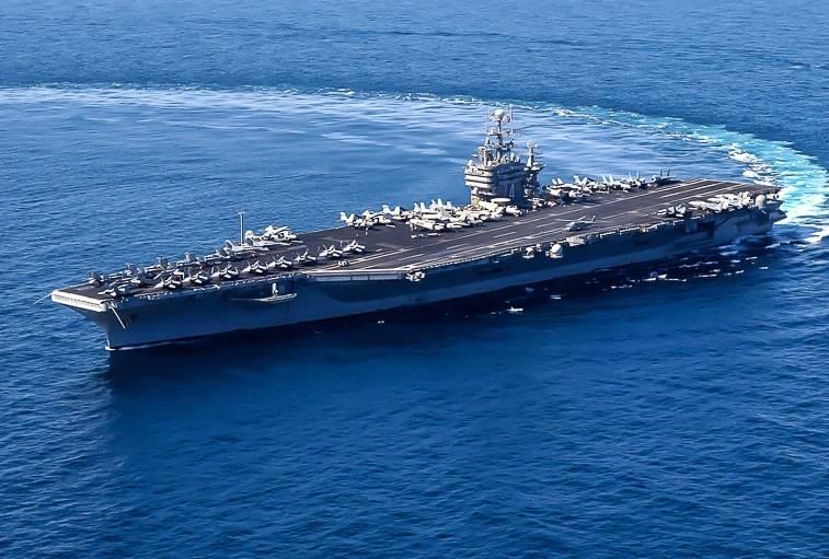США направили в Персидский залив авианосную группу