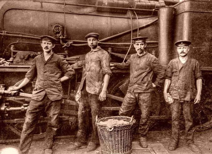 आधुनिक श्रमिक वर्ग (2 का हिस्सा) के बारे में सोचा