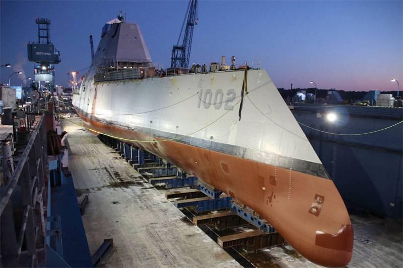 Negli Stati Uniti è stato lanciato il terzo ed ultimo distruttore stealth della classe Zumwalt.