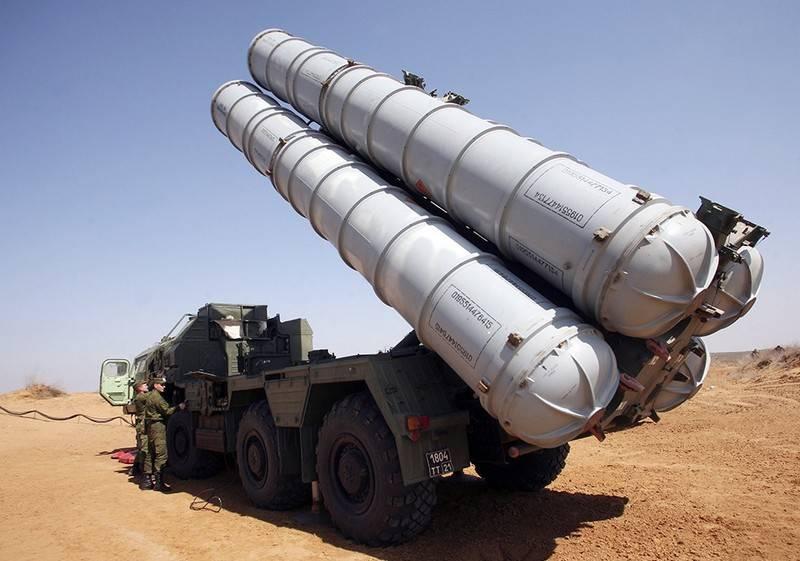 СМИ: На полигоне в Астраханской области упала ракета ЗРС С-300