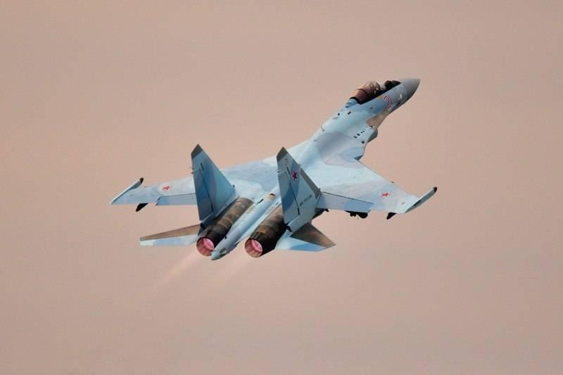 ВКС РФ получили очередную партию истребителей Су-35С