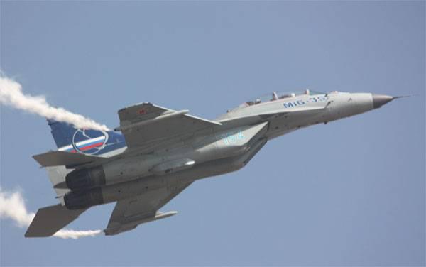 """ТК """"Звезда"""" сообщил о """"вертикальном взлёте"""" МиГ-35 на форсаже"""