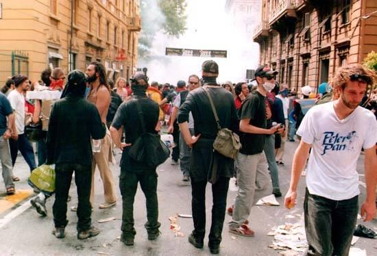 वर्ष की ज्वलंत जेनोआ 2001। सबक यूरोप में सीखा। 1 का हिस्सा
