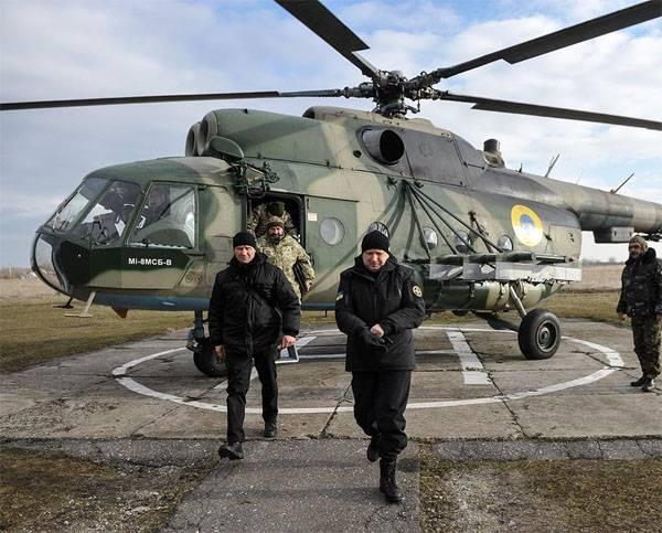 """Turchinov """"explicó"""" por qué se impuso la ley marcial en 5-año de la guerra"""