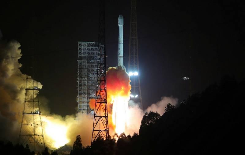 China lanzó con éxito en el espacio un satélite experimental de comunicaciones.