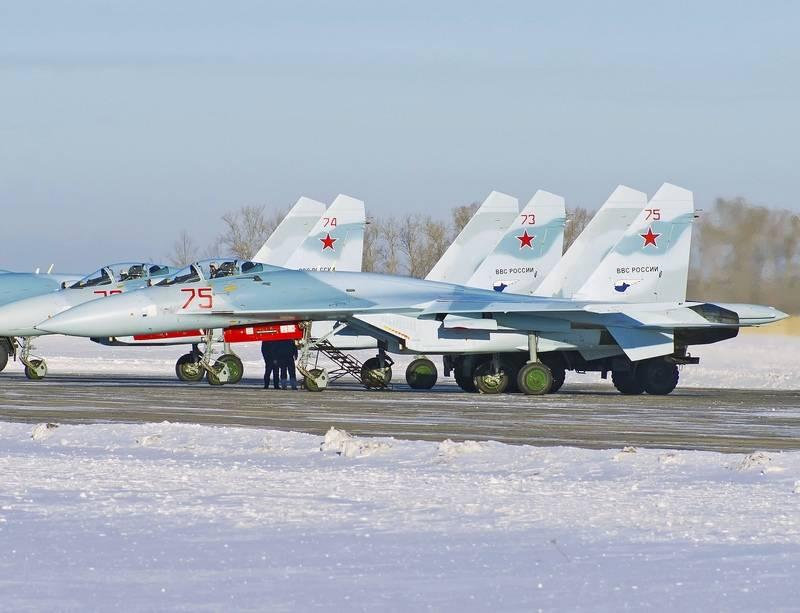 ВКС РФ получили три модернизированных истребителя Су-27СМ3