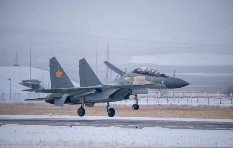La fábrica de aviones de Irkutsk suministró a la Fuerza Aérea de Kazajstán un lote de combatientes Su-30CM