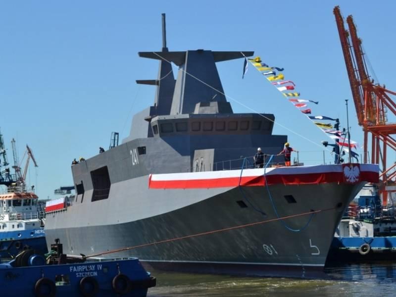 Marine polonaise armée de frégates au lieu de corvettes