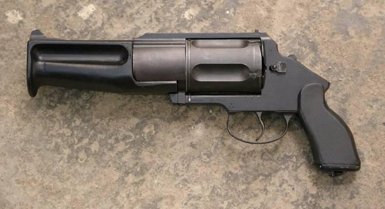 OZ-62: रिवॉल्वर और बंदूक का एक असामान्य संकर