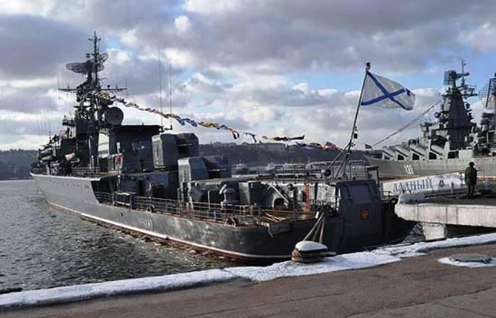 Корабли ЧФ за год провели в море более 6 тысяч суток