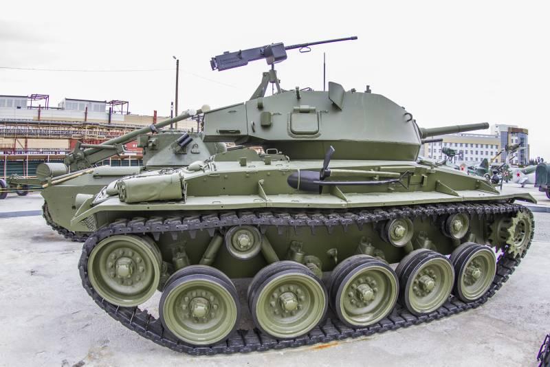 Лёгкий танк М24 «Чаффи» снаружи и внутри