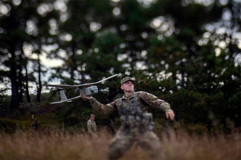 बाल्टिक मीडिया ने अमेरिकी सैनिकों द्वारा लिथुआनियाई ध्वज के अपमान के बारे में बात की