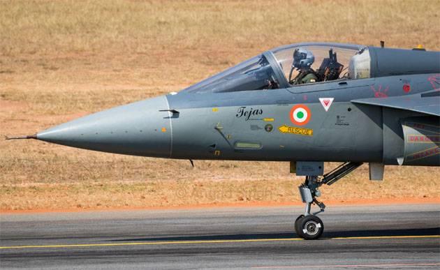 Le chef du ministère de la Défense de l'Inde a appelé à la démission pour avoir retardé le contrat des combattants