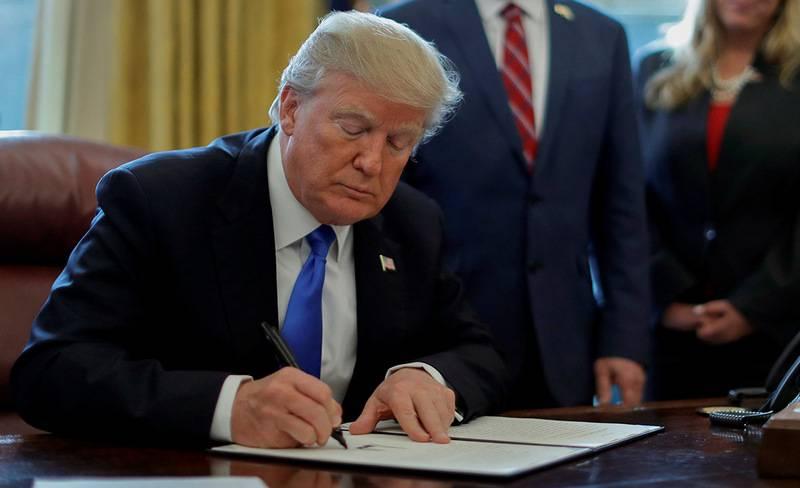 Trump minaccia di sospendere il lavoro del governo degli Stati Uniti per mesi