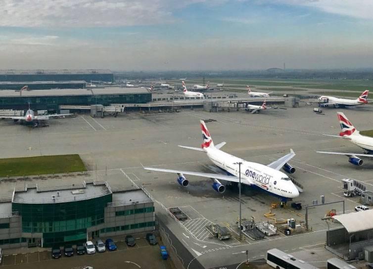 Появление беспилотника прервало работу аэропорта Хитроу (Лондон)