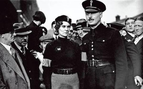 30 में ब्रिटेन ने फासीवाद का समर्थन कैसे किया