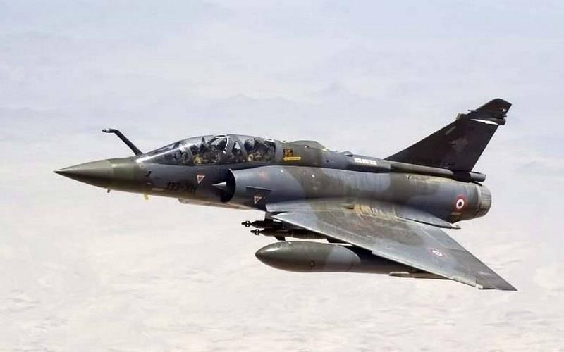 Le chasseur de l'armée de l'air française Mirage 2000D a disparu du radar dans l'est du pays