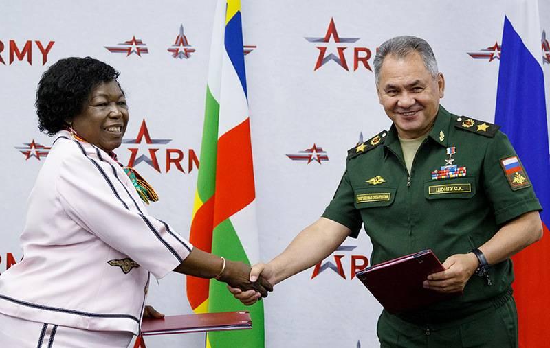 मध्य अफ्रीकी गणराज्य रूसी सैन्य अड्डे की उपस्थिति से इनकार नहीं करता है
