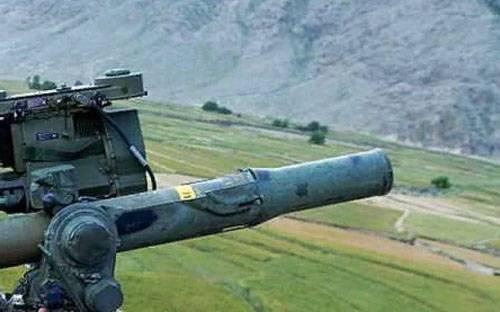 쿠르드 족은 TOW (미국)와 함께 시리아의 친 터키 형성을 공격했다.