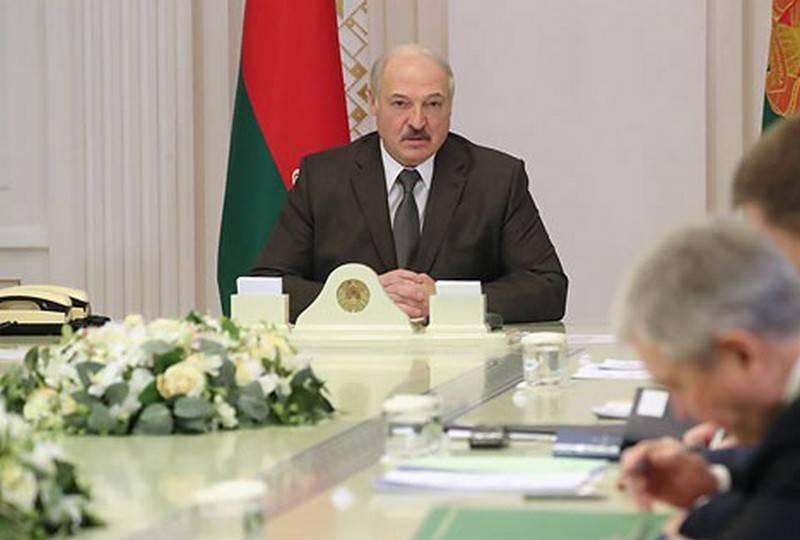 लुकाशेंको ने रूस को एक सहयोगी के संभावित नुकसान के बारे में चेतावनी दी