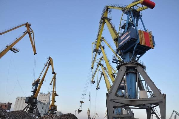 キエフでは、ウクライナのロシア連邦の港の可能性のある重複の影響について話す
