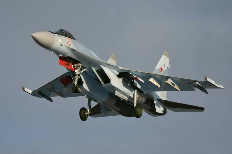 Il primo Su-35S entrò in servizio con il reggimento di aviazione 790 di ZVO