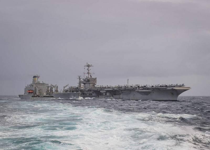미 해군의 지휘관은 항공 모함 그룹을 북극에 보낼 계획이다.