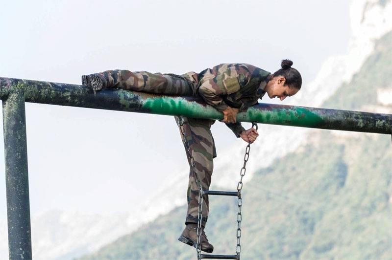 Vendredi: les femmes dans l'armée française