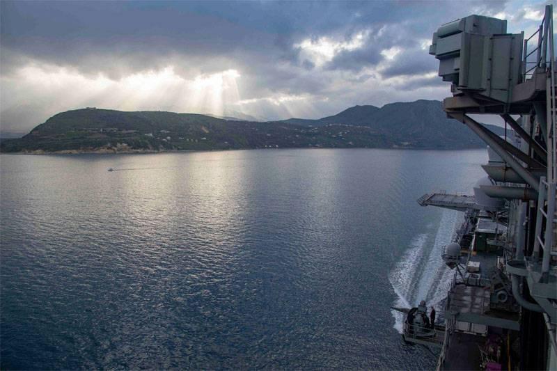 La Marina americana ha parlato dello scopo di inviare una nave da sbarco sulla costa della Siria