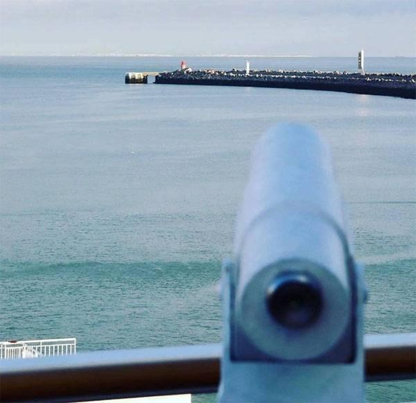 """सबमरीन- """"भूत"""" कैलाइस के फ्रांसीसी बंदरगाह में दिखाई दिया"""
