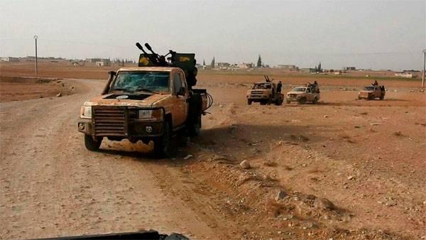 쿠르드족은 시리아 동부에서 반격을 개시했다.