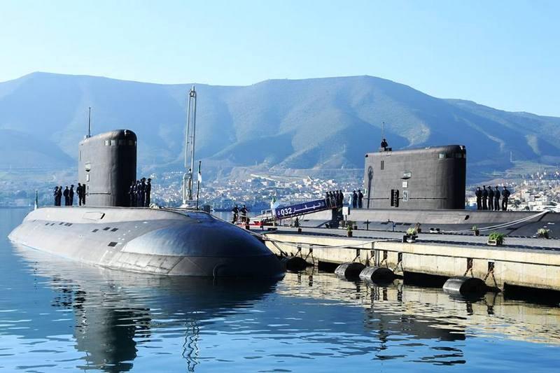 अल्जीरियाई नौसेना बलों ने दो और वारसॉ प्राप्त किए