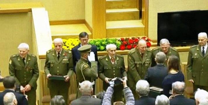 """लिथुआनिया में, """"फॉरेस्ट ब्रदर्स"""" से सम्मानित किया गया, जिन्होंने यूएसएसआर के खिलाफ लड़ाई लड़ी"""