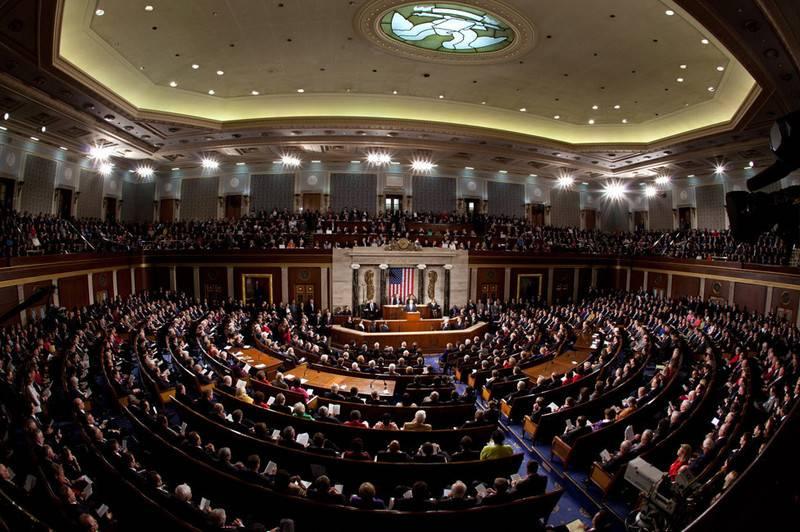세 번째로 미국의 민주당은 시리아에 대한 제재를 부과하지 않았다.