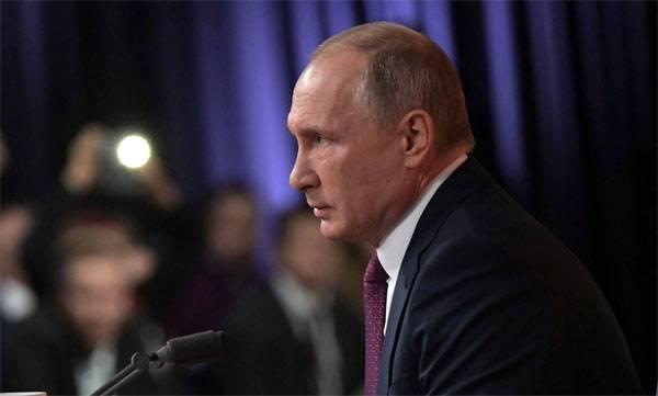푸틴 대통령은 군비 경쟁과 우크라이나의 토 모스에 관한 질문에 대답했다.