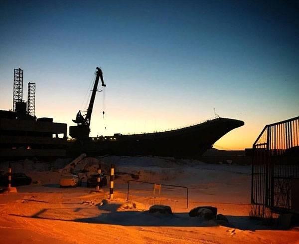 """Sulla situazione con """"Ammiraglio Kuznetsov"""" e il sommerso PD-50"""