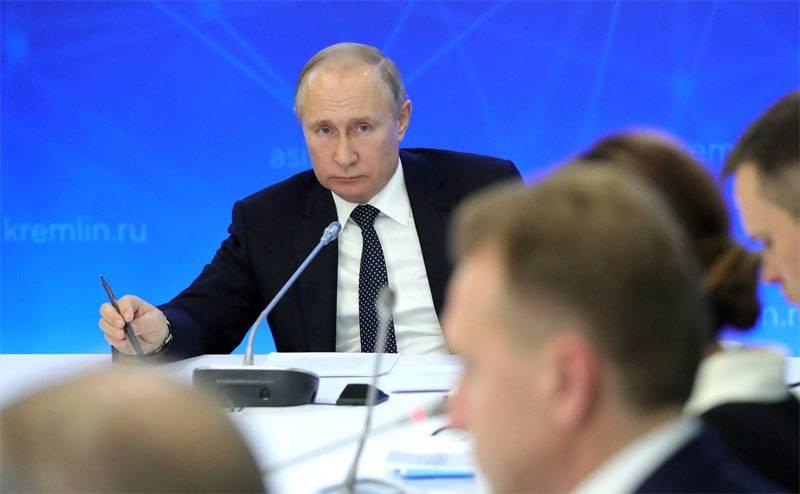 ペスコフは、プーチン大統領の言葉は時々冷え込んでいると言った