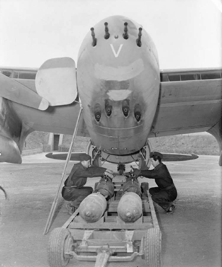 Aerei da combattimento Bombardieri da combattimento bimotore della seconda guerra mondiale