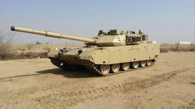 """La Thaïlande continuera à acheter des chars d'assaut chinois VT-4 au lieu de """"fiefs"""""""