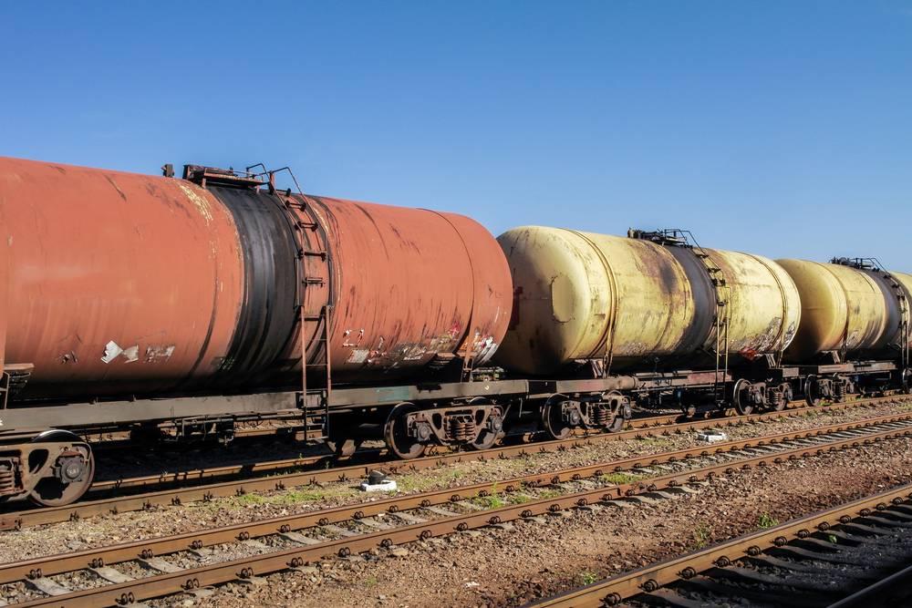 'Потянем ли европейское топливо': В Киеве рассказали, как украинцы 'добывают' российскую нефть