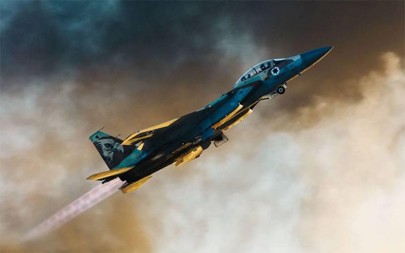 En Syrie, a annoncé le reflet de la frappe israélienne d'armes de défense aérienne