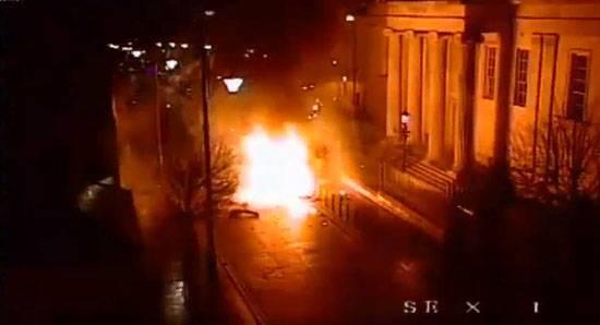 北アイルランドでの自動車爆弾テロ攻撃として認識