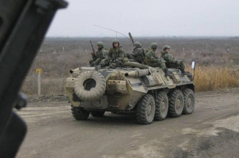 ロシアのBTR-80がアブハジアの峡谷で爆発