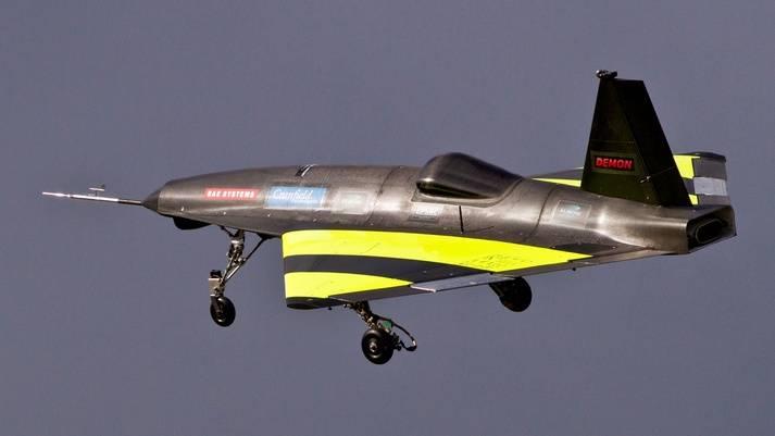L'aereo senza meccanizzazione. Programma FLAVIIR (Regno Unito)