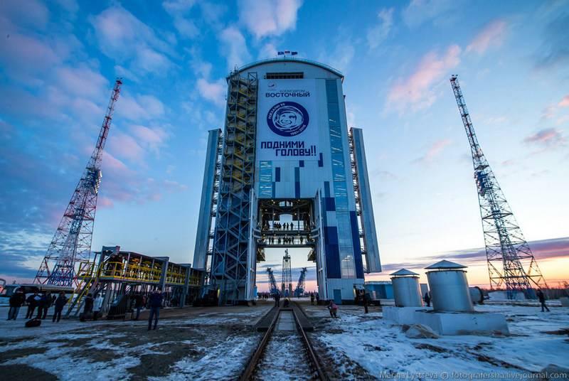 """Medvedev: Roscosmos interrompe la costruzione dell '""""Oriente"""""""